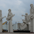 Giant statues of The Beatles, Houston